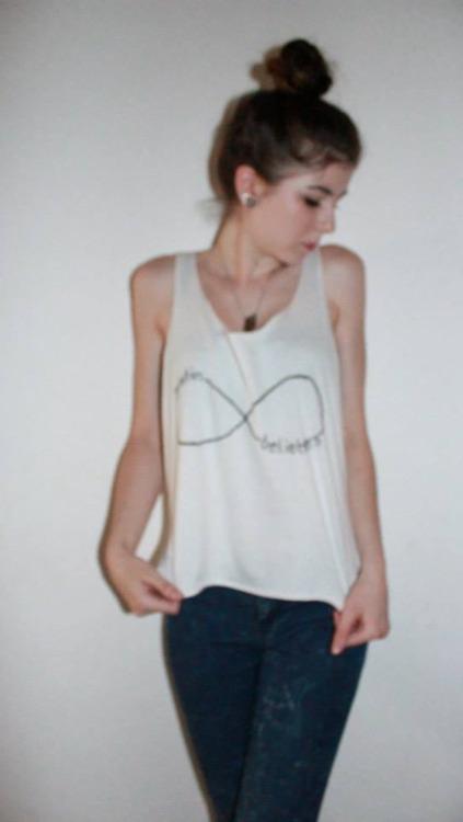 DIY: Justin Bieber Shirt mit Herz Cut-Out
