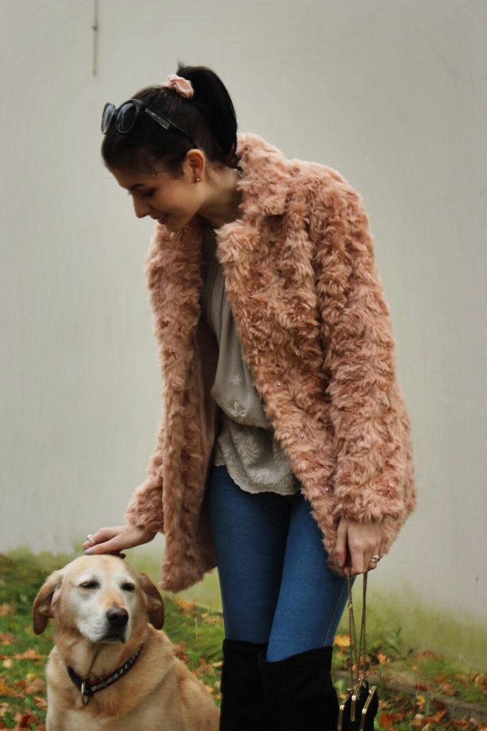 PRETTY IN PINK (FLUFFY COAT)