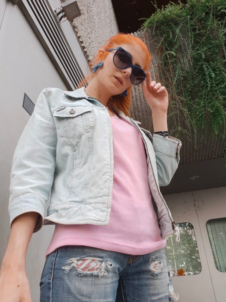 BERLIN FASHION WEEK 2018 - OUTFIT NR. EINS: 2000ER INSPIRIERTER DENIM LOOK